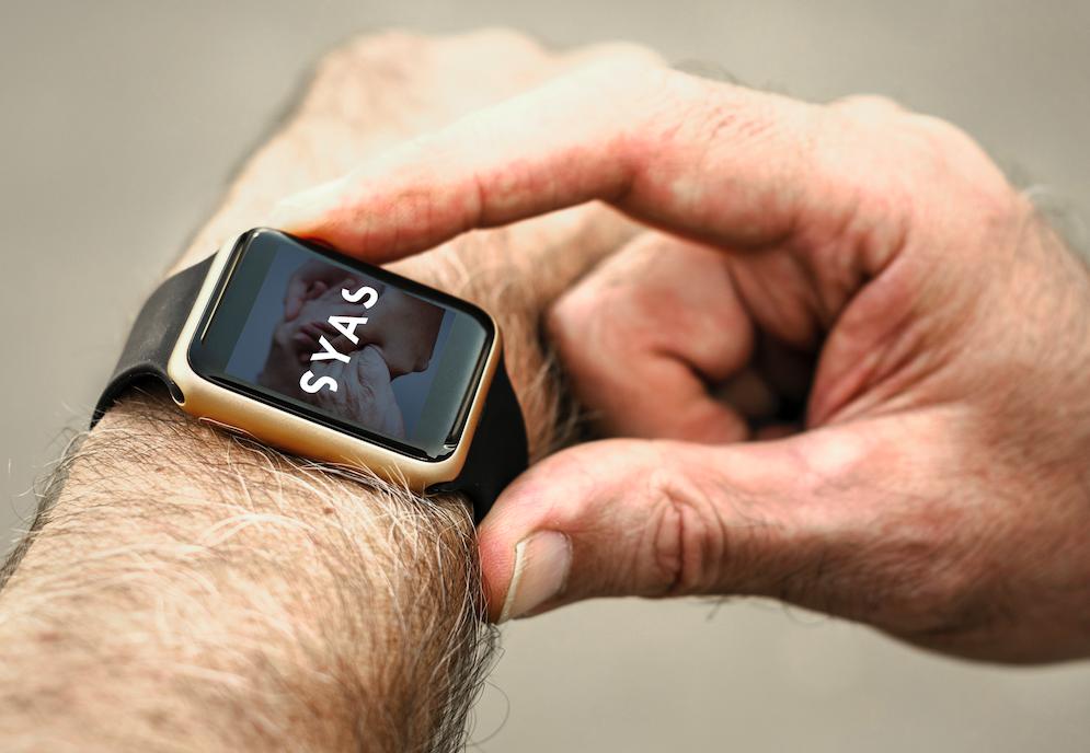 reloj pulsera de teleasistencia